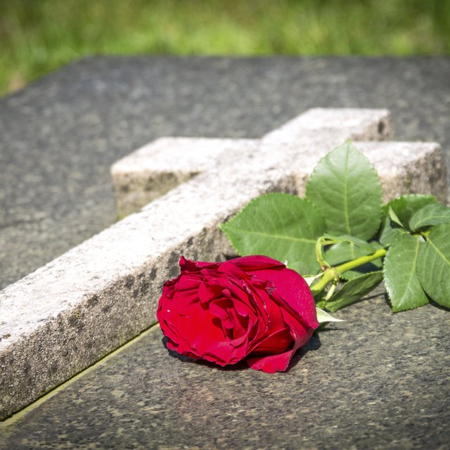 What Color Flowers to Give for a Funeral?