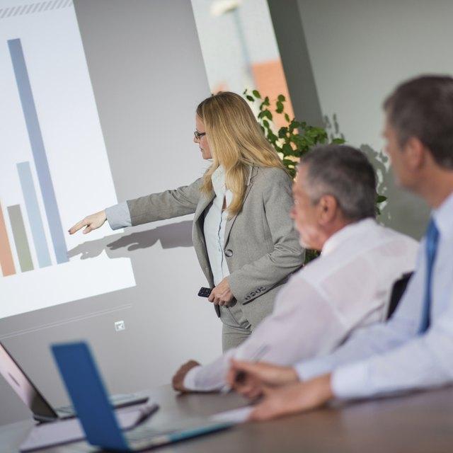 Advantages & Disadvantages of Computer-Based Presentations