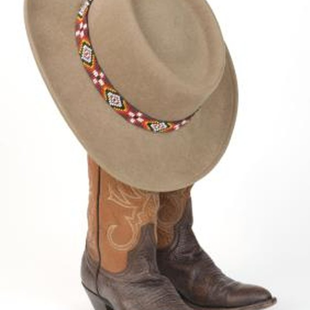 What Attire Do You Wear at a Western Party for Ladies?