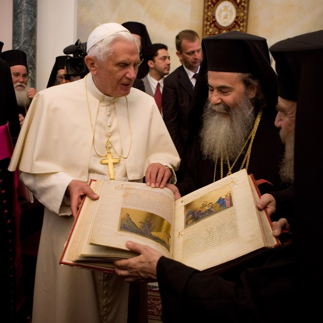 Comparing & Contrasting Eastern Orthodox & Roman Catholics