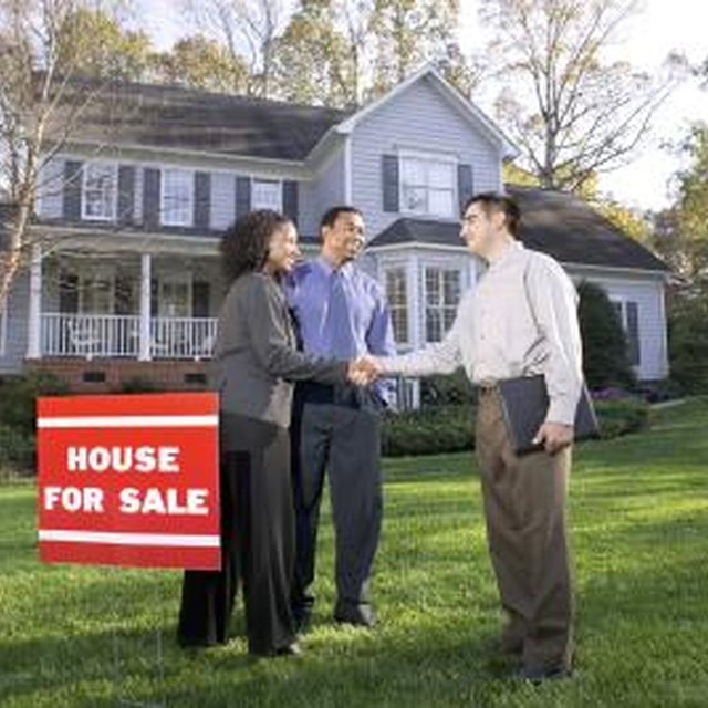 Who Pays the Commission on a Short Sale?