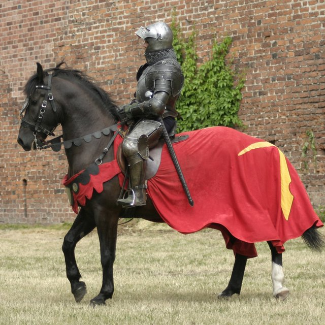 What Type of Clothing Did Medieval Knights Wear?