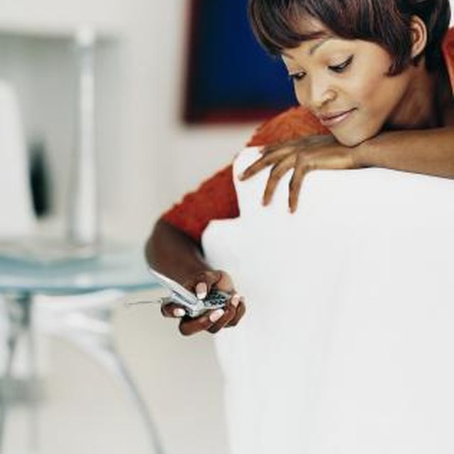 The Advantages & Disadvantages of Long Distance Relationships