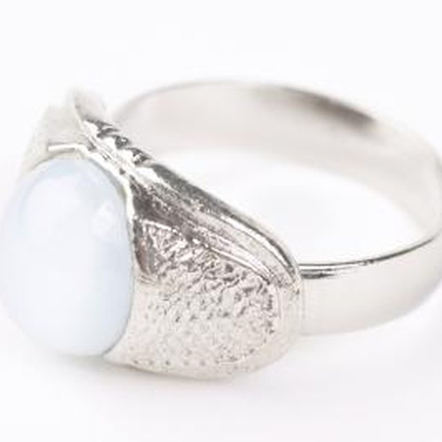 Is it Normal for Sterling Silver Rings to Change Colors?