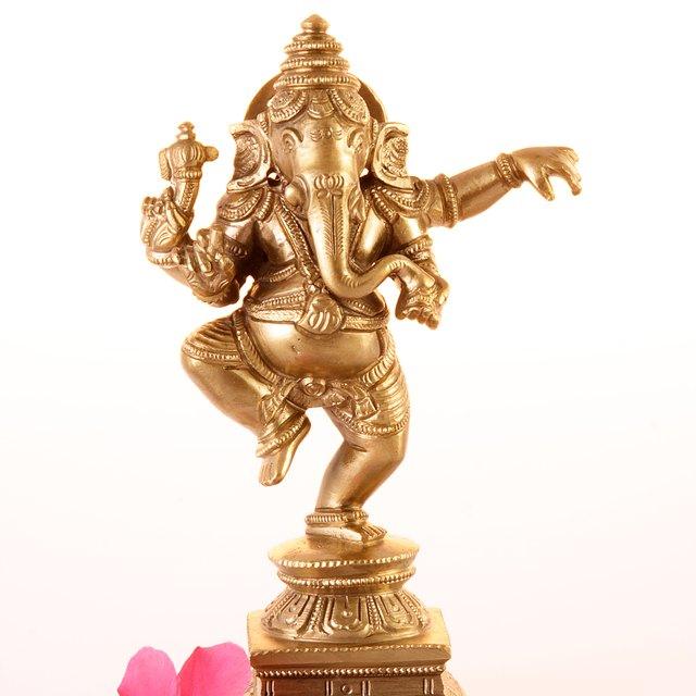 The Hindu Family Altar & Deities