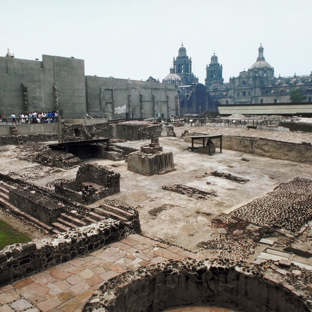 What Kind of Shelter Was Used by the Aztec?