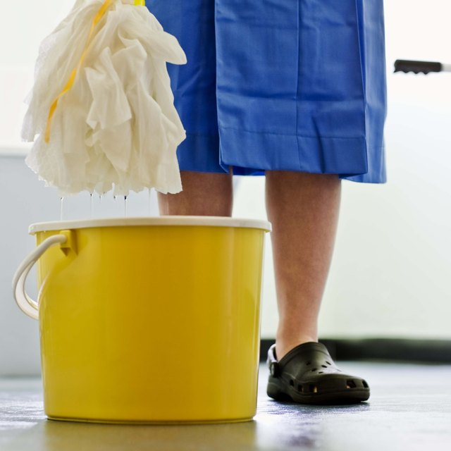 How to Introduce a Janitorial Business to Customers