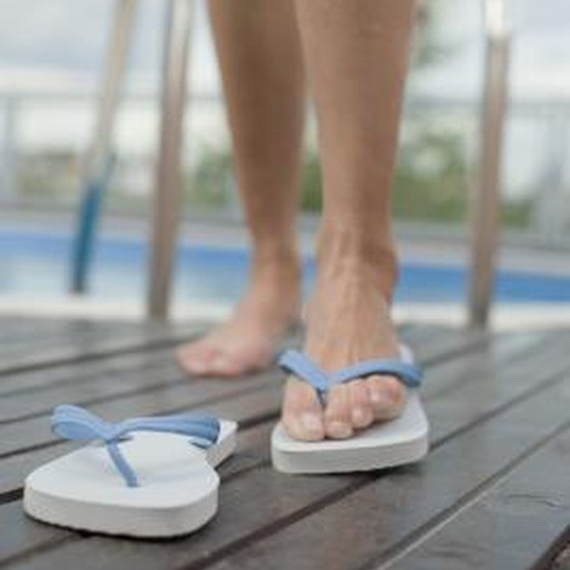 How to Disinfect Flip-Flops With Bleach