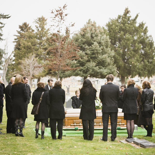 How to Cash in the Bonds of a Deceased Parent