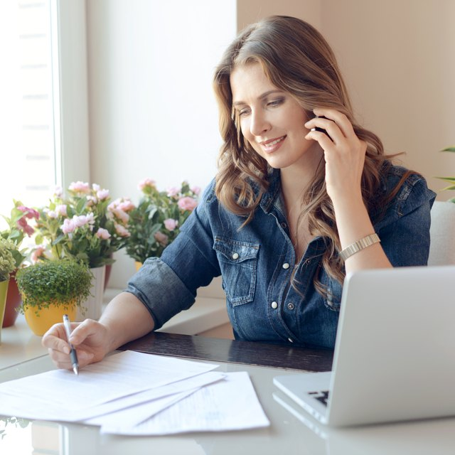 How to Calculate Tax on a W-9