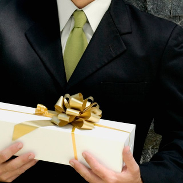 Etiquette for Thank-You Notes for Business Gifts