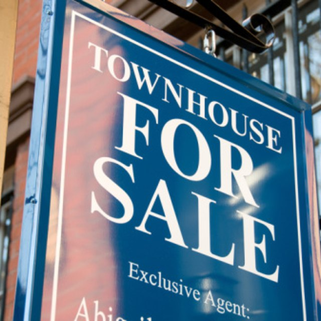 What Is Better to Buy a Townhouse or a Condo?
