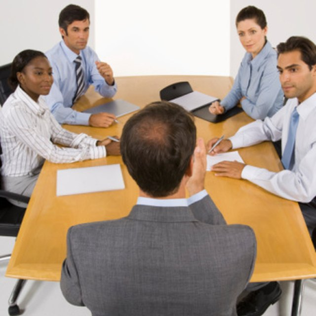 How to Lead a Meeting: 7 Tips