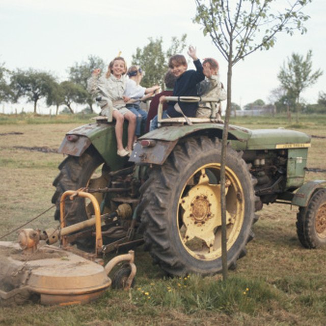 How to Find the Year on John Deere Tractors