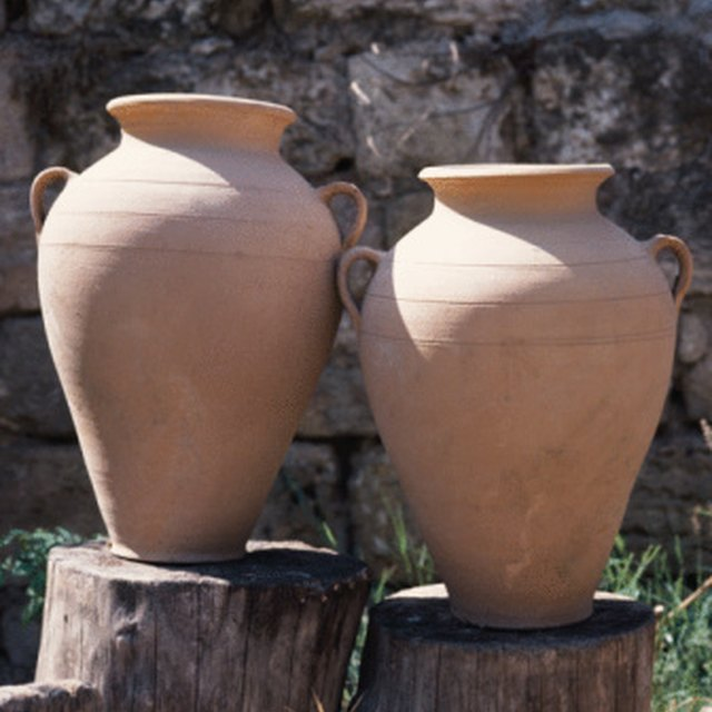 How to Store Ashes in a Homemade Urn