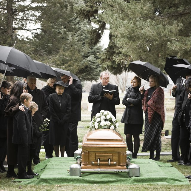 Etiquette on Attending a Chinese Funeral: Do You Give Money?
