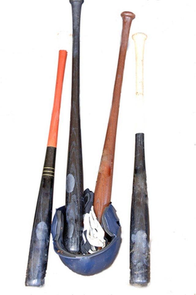 Aluminum Bats Vs. Composite Bats