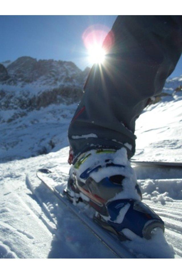 How to Adjust Salomon Evolution Ski Boots