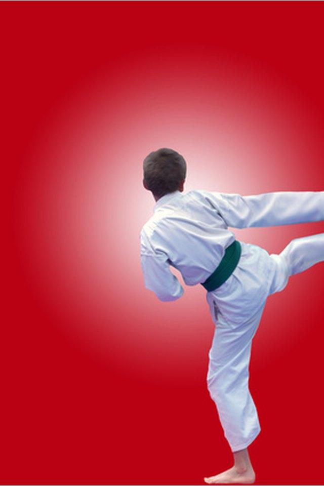 How to Wear a Taekwondo Uniform