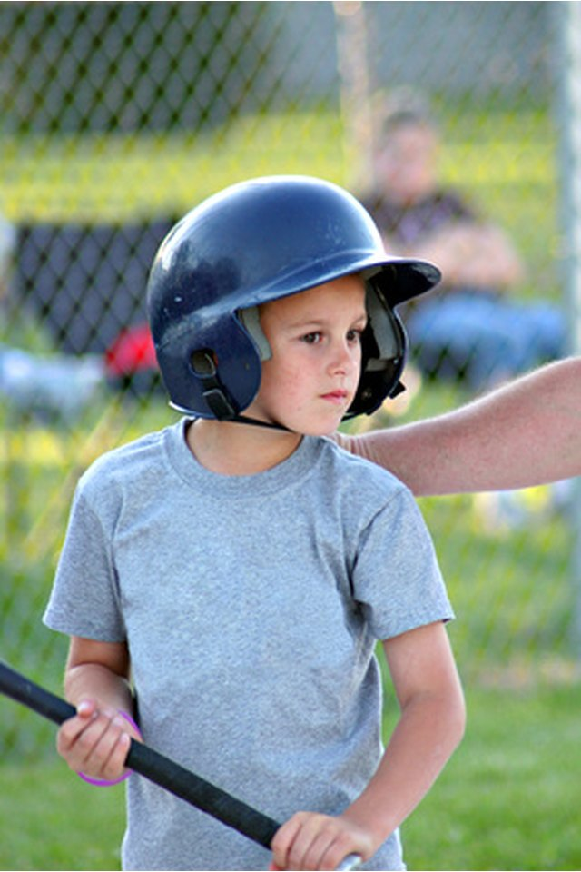 How to Figure Helmet Sizes for Youth Softball