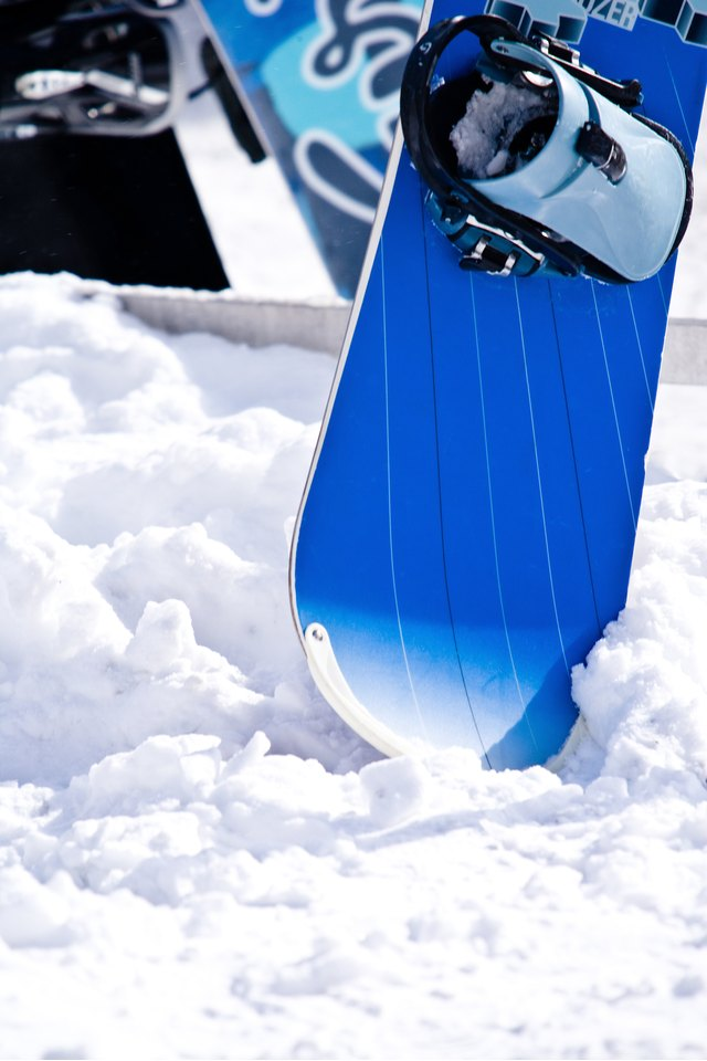 What to Do If a Snowboard Is Rusting?