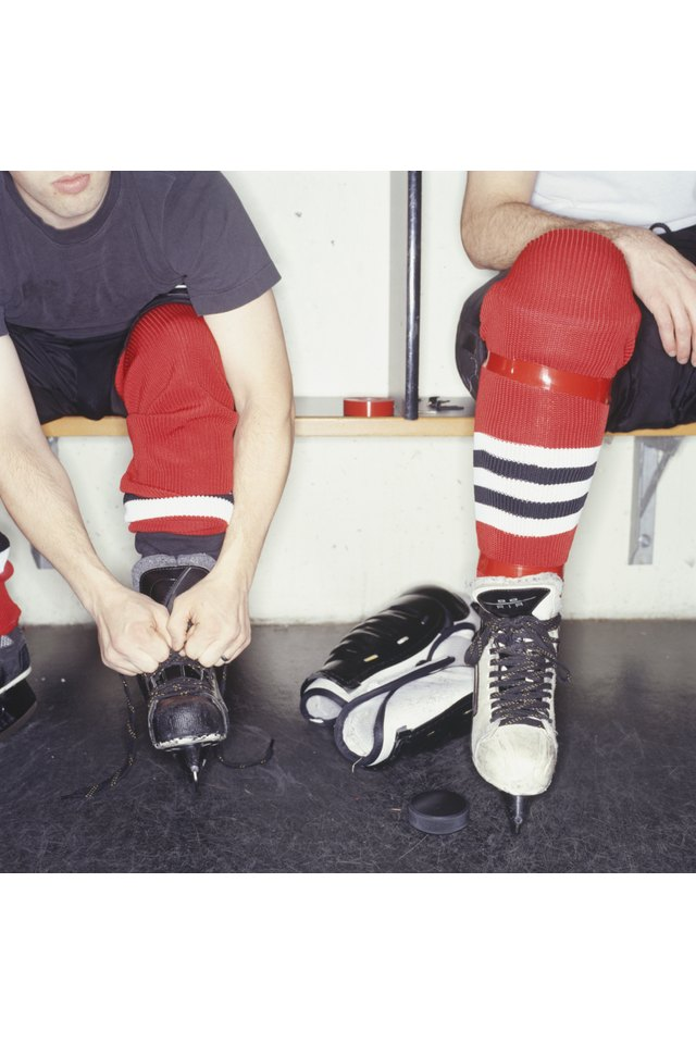 How to Tie a Hockey Jersey Knot
