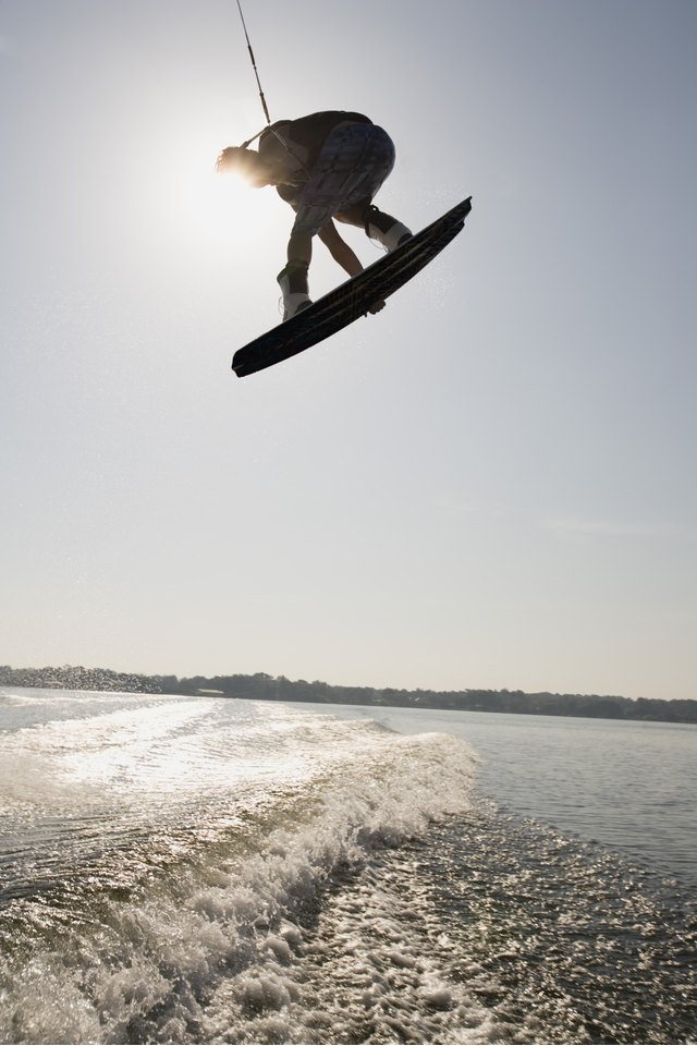 How to Set Up a Boat for Wakeboarding
