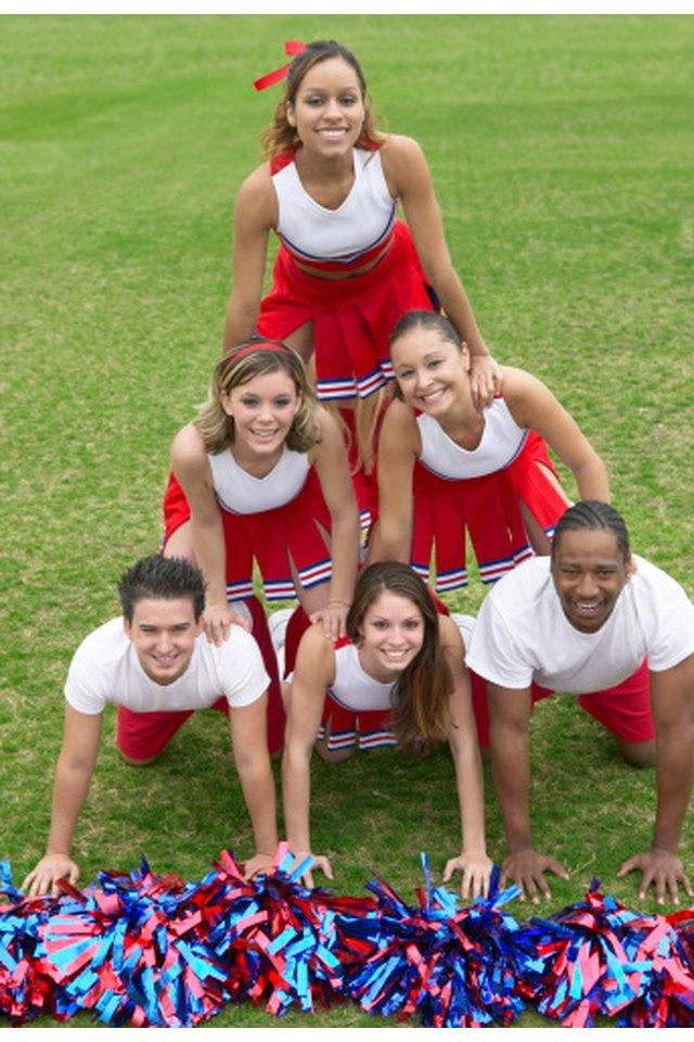 Cheerleading Pyramids for Beginners