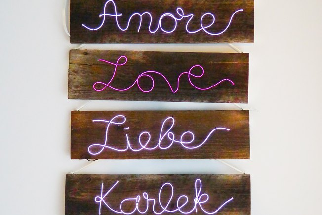 [Article Image] - Wedding Decor: Illuminated Sign