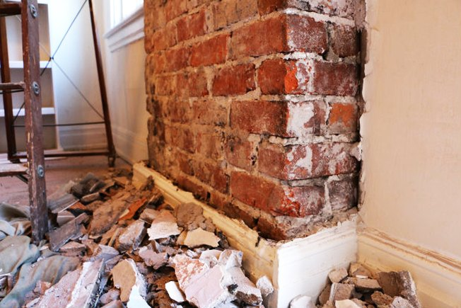 [Article Image] - Remove Old Plaster From Brick