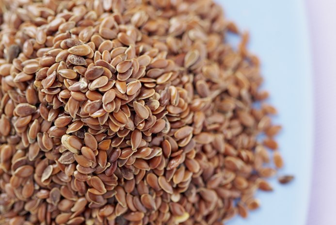 What Are the Benefits of Flaxseed Vs. Flaxseed Oil?