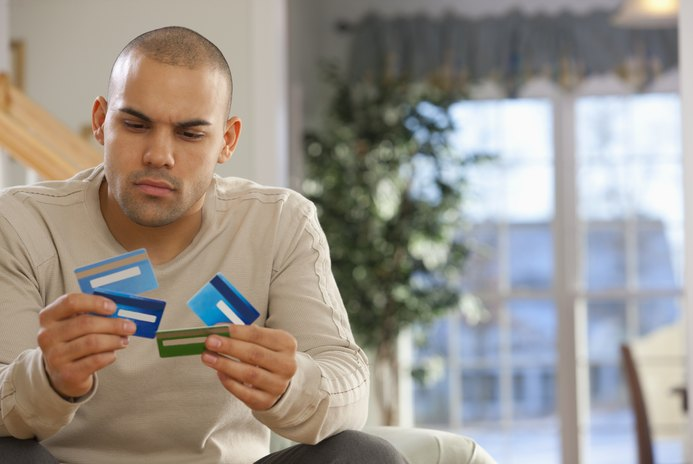 Advantages & Disadvantages of Closing a Credit Card Account