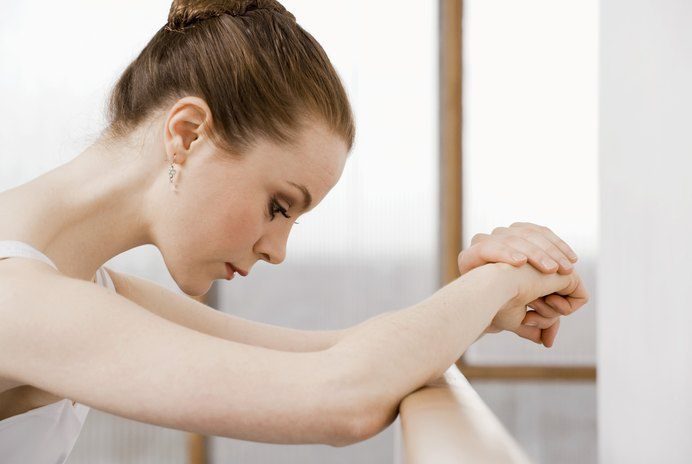 List of Resistance Band Exercises With the Ballet Bar