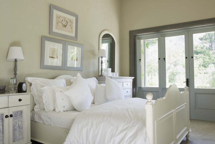 Cheap Ways to Remodel a Bedroom