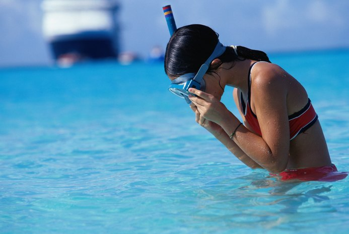 How to Swim Laps With a Snorkel Mask