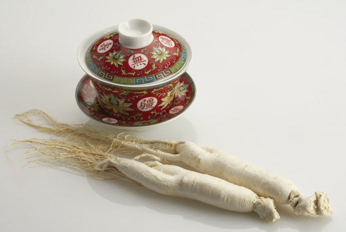 Benefits & Adverse Effects of Ginseng Tea