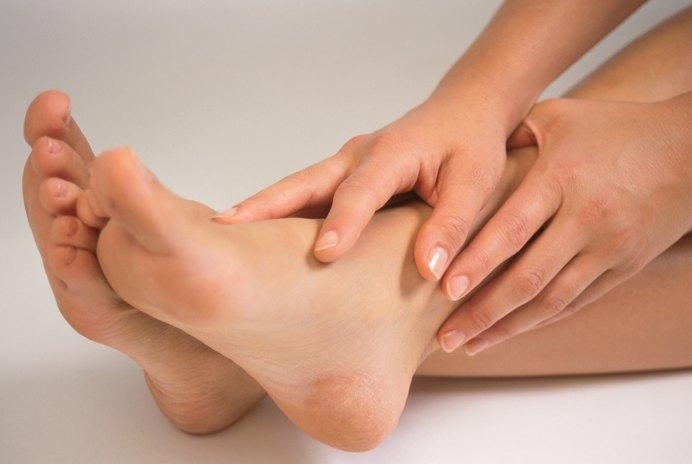 How to Avoid Foot Cramping During Bikram Yoga