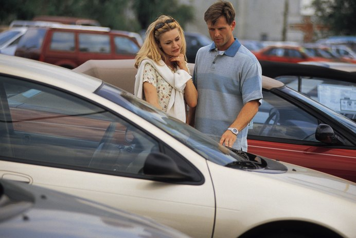 Can a Car Have Two Separate Insurance Policies by Two Different People?