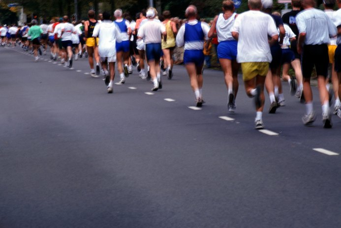 What Is the Difference Between a Marathon & a Half-Marathon?