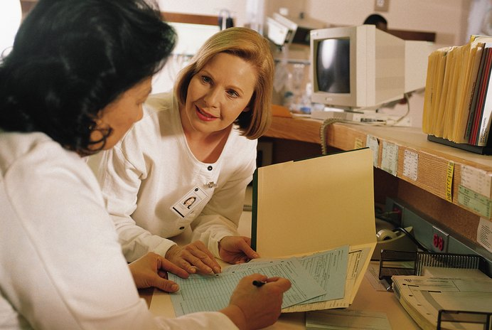 Why Medical Assistant Must Be Professional When Assisting With Patients