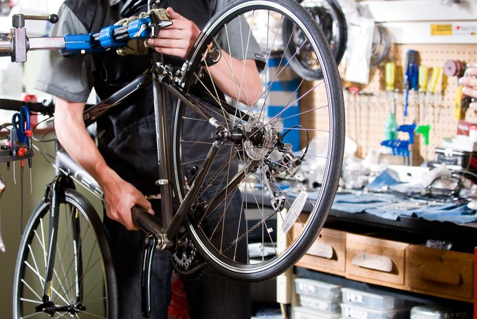 How to Take off a Bicycle's Pedals That Are Stuck