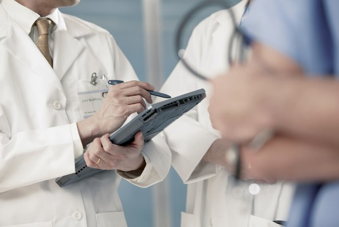 How Much Money Do Orthopedic Surgeons Make a Year?