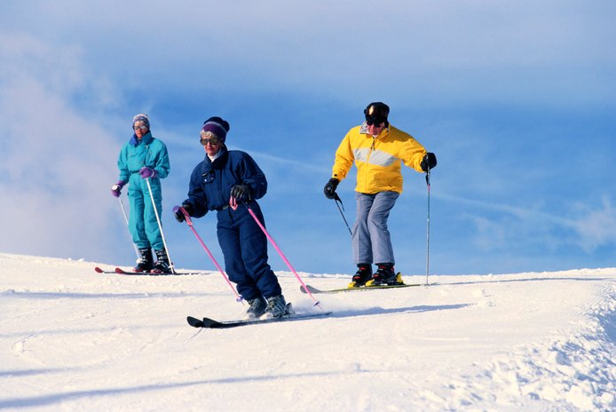 The Best Snow Skis for Advanced & Intermediate Skiers