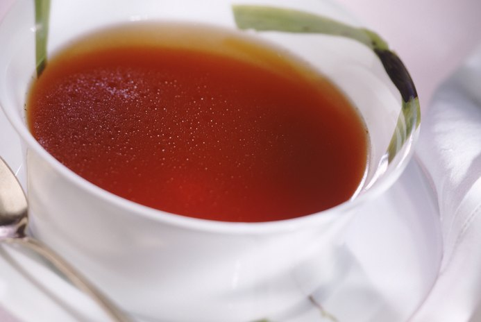 How to Drink Bouillon Before a Meal to Lose Weight