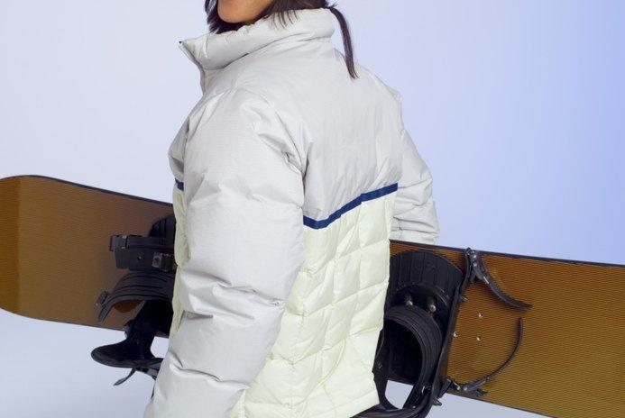 What Is a Good Beginner Women's Snowboard?