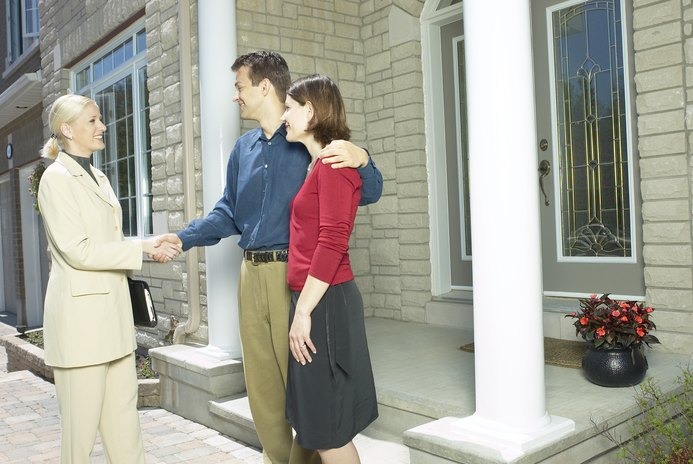 How to Add an Owner to a Mortgage Deed at Closing