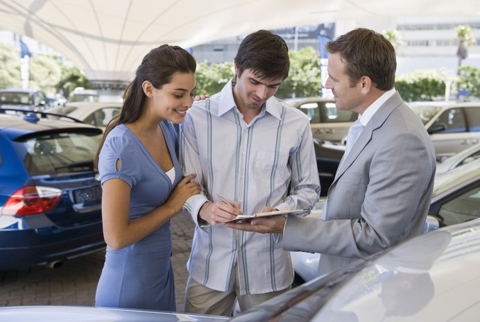 10 Things You Must Know Before Buying a Car