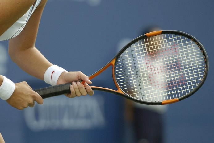 How to Customize a Racquet's Grip Length