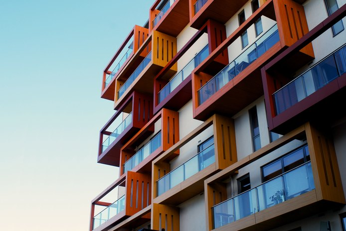 Differences Between a Condo Fee & an HOA Fee