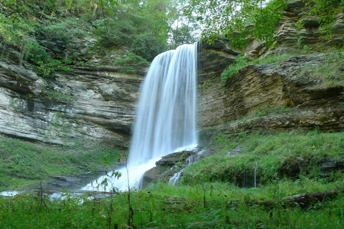 grand choix de 713d9 a01e3 These 19 Virginia Waterfalls are Absolutely Breathtaking